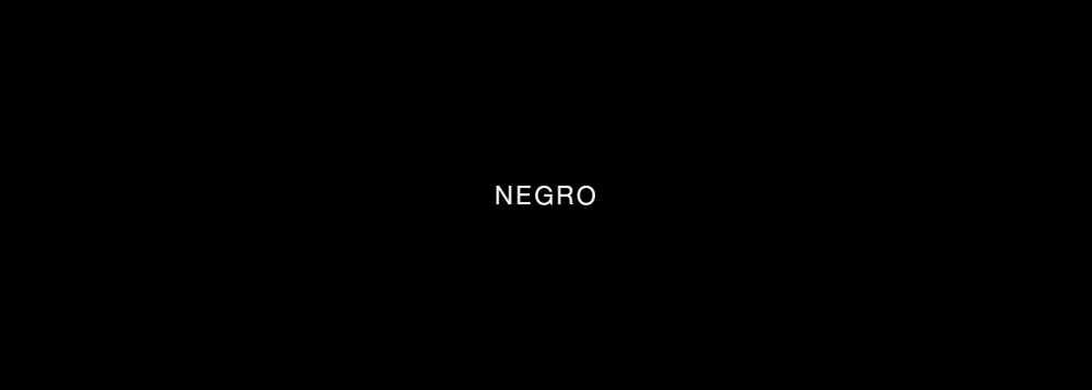 Diseño web con color negro como principal